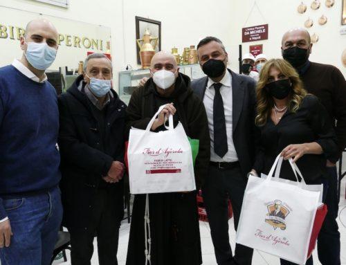 Solidarietà: 200 pizze donate ai senzatetto della stazione di Napoli